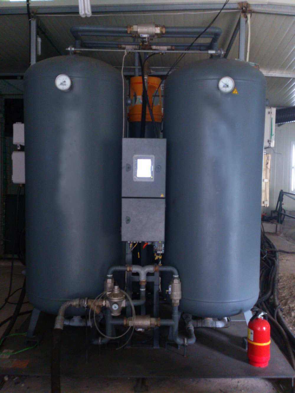 nitrogen gas tanks